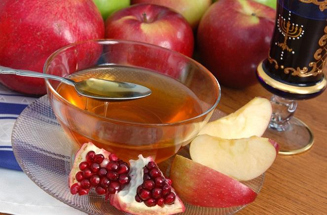 Pomegranates, honey and apples